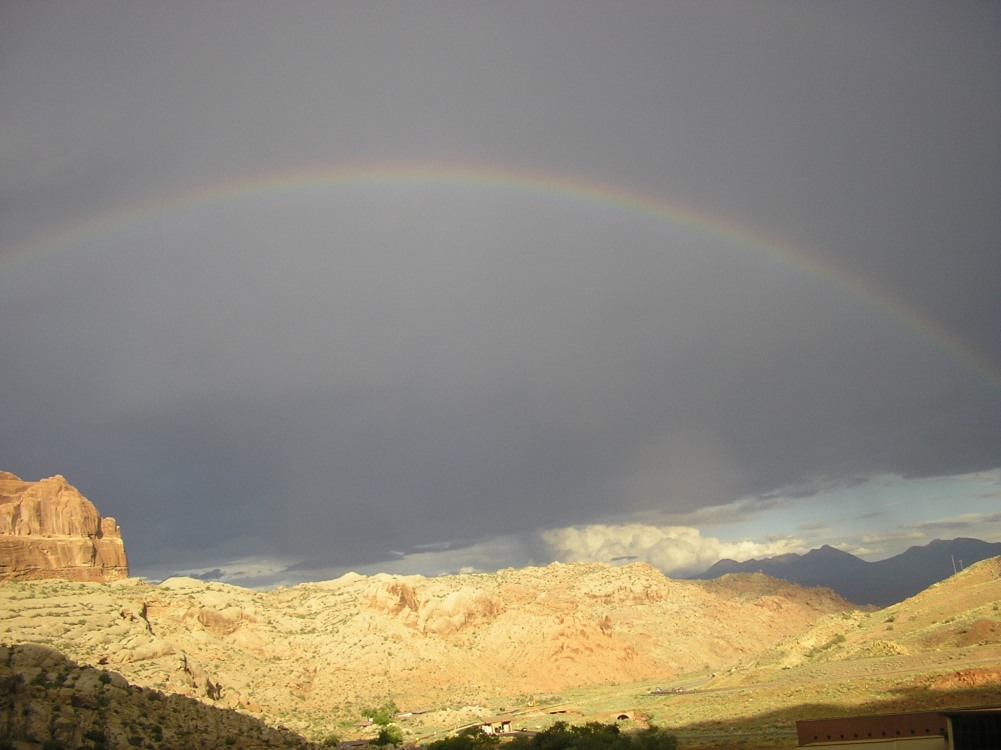 arcobaleno-sul-deserto.jpg